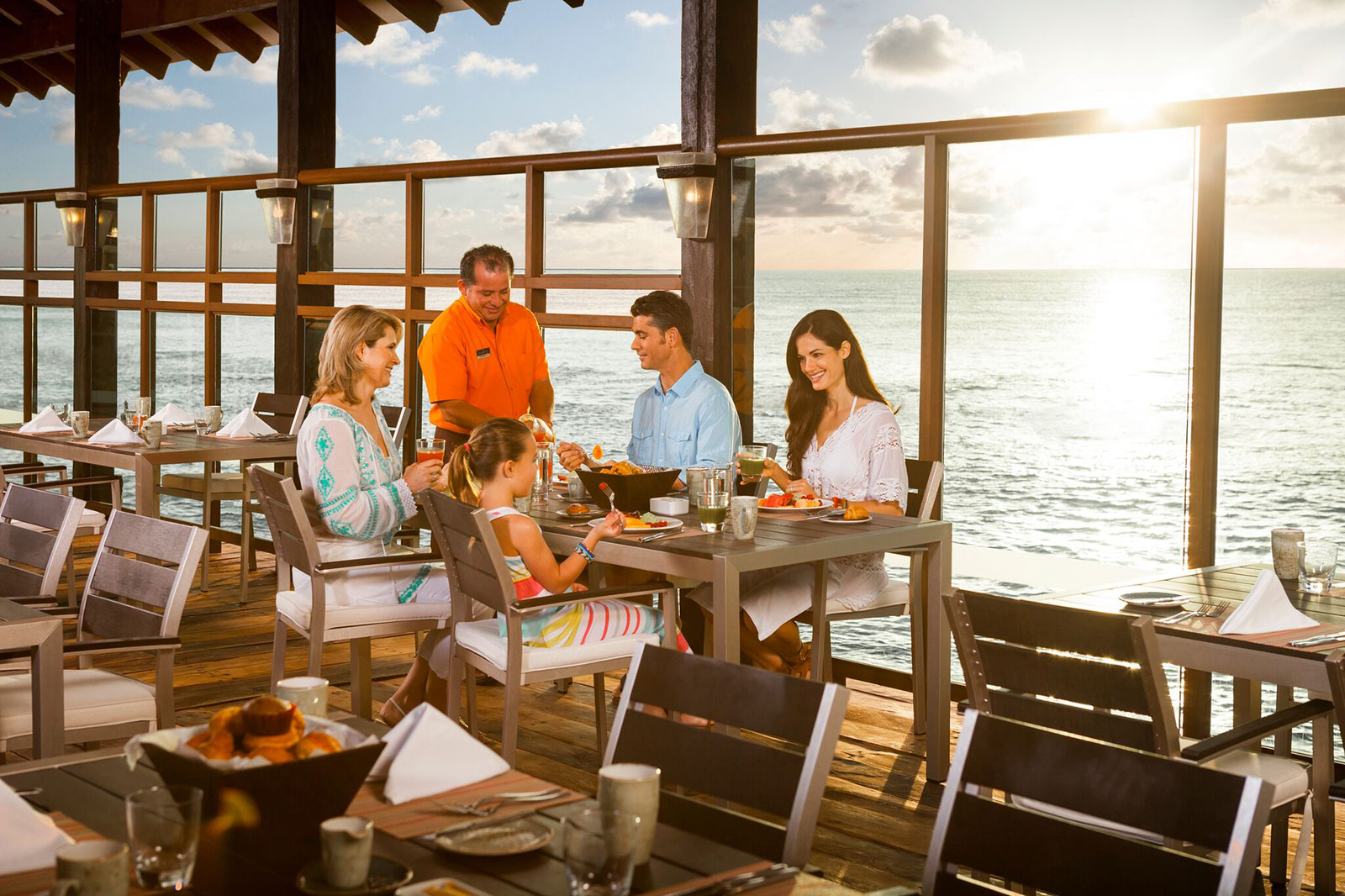 Generations Riviera Maya - Family Dining